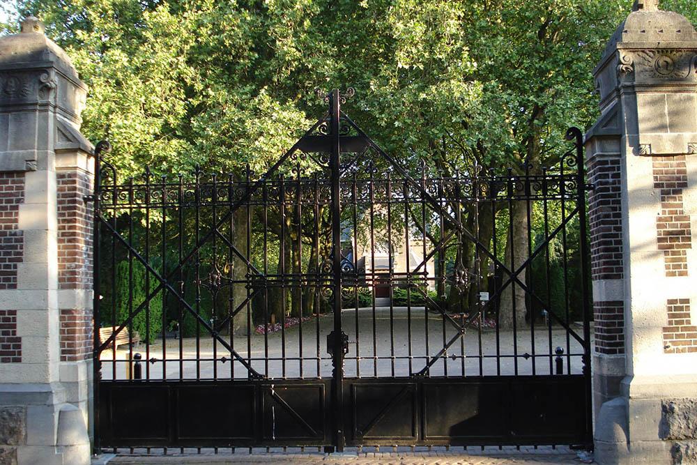 Nederlandse Oorlogsgraven R.K. Begraafplaats St. Laurentius