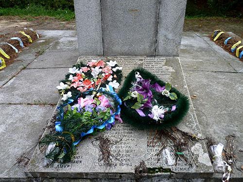 Mass Grave Soviet Soldiers 1944
