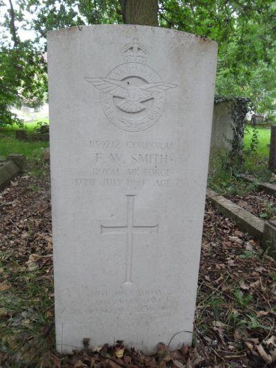 Oorlogsgraven van het Gemenebest Vale Road Churchyard Extension
