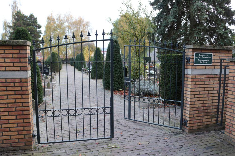02-03: Nog even en het graf van Waalwijks burgemeester Moonen glanst weer: oproep vindt gehoor