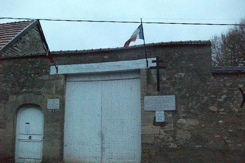 Remembrance Plaques Savigny-sur-Ardres