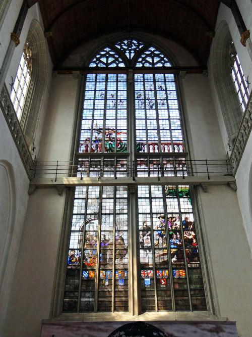 Memorial Window in De Nieuwe Kerk Amsterdam