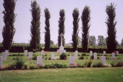 Canadese Oorlogsbegraafplaats Villanova