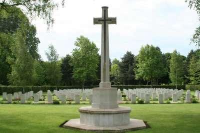 Oorlogsbegraafplaats van het Gemenebest Cambes-en-Plaine