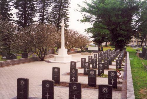 Commonwealth War Graves East Bank Cemetery