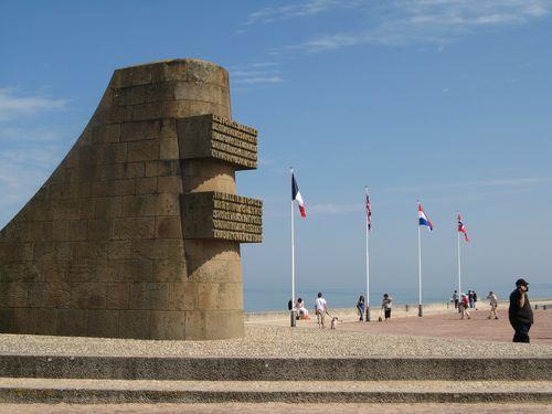 Dit Monument Herdenkt De Geallieerden Landden Op Omaha Beach 6 Juni 1944 Landing Bracht Veel Verliezen Met Zich Mee Vo Aan Geallieerde Zijde