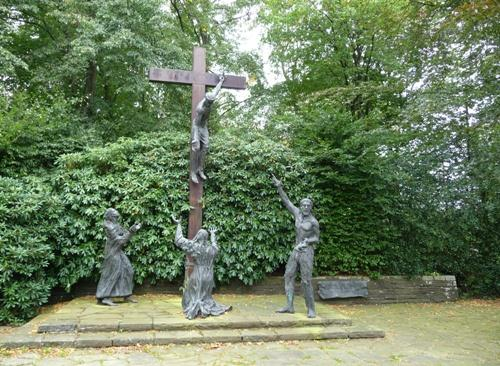 Crucifixionsgroup Cemetery Vossenack