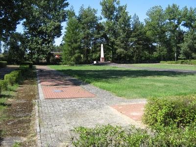 Sovjet Oorlogsbegraafplaats Miedzyrzecz