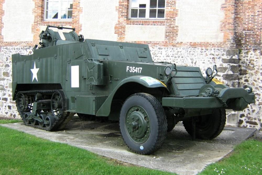 Amerikaanse M3 Half-track L'Aigle