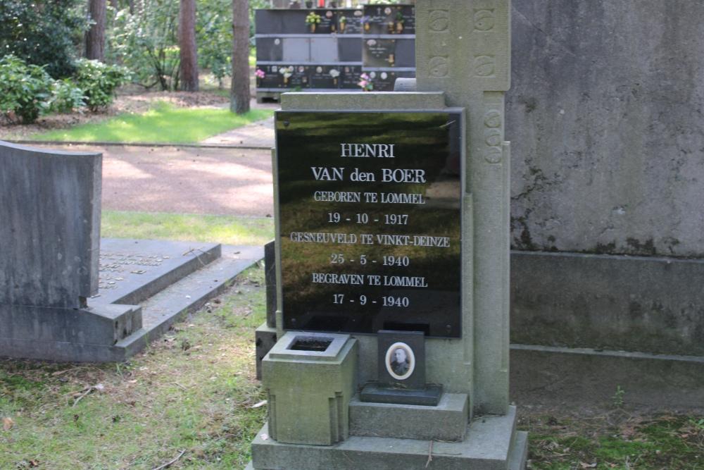 Belgian War Grave Center Cemetery Lommel