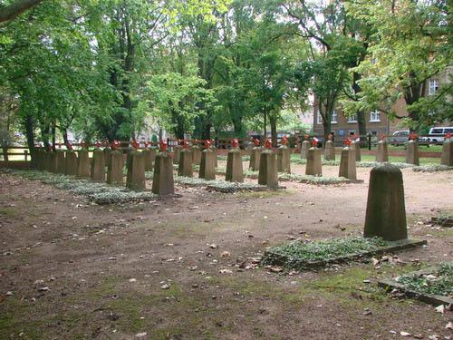 Sovjet Oorlogsbegraafplaats Carl-Eitz-Weg