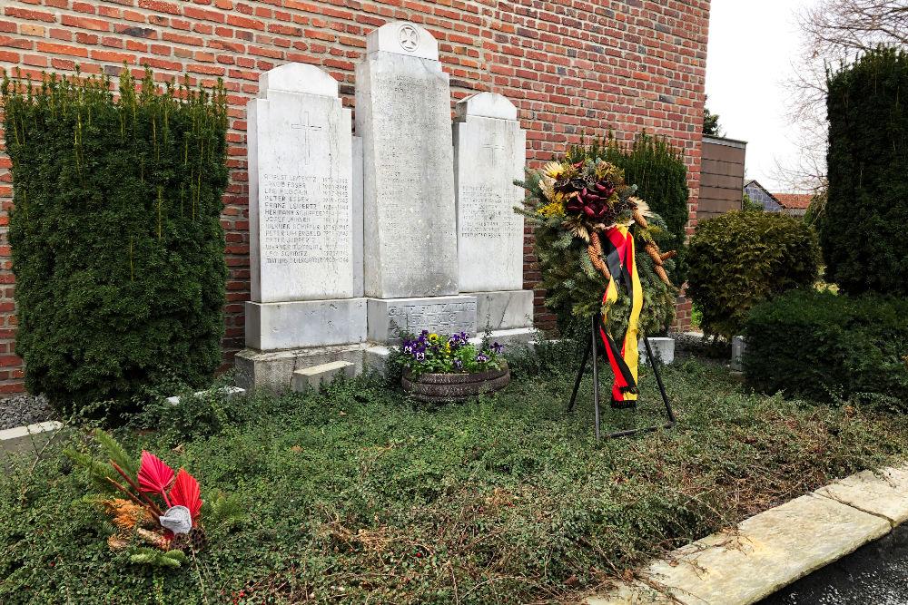 War Memorial Tetz