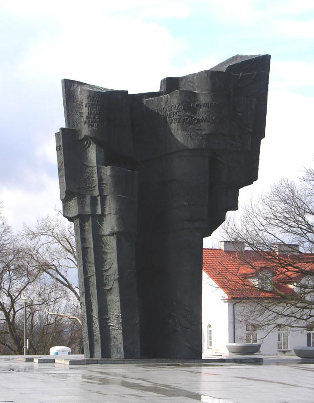 Wladysław Broniewski Memorial