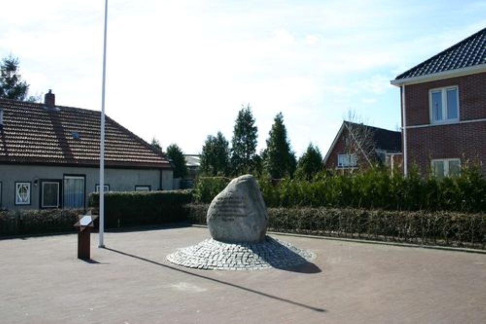 Oorlogsmonument Oostwold (Old)