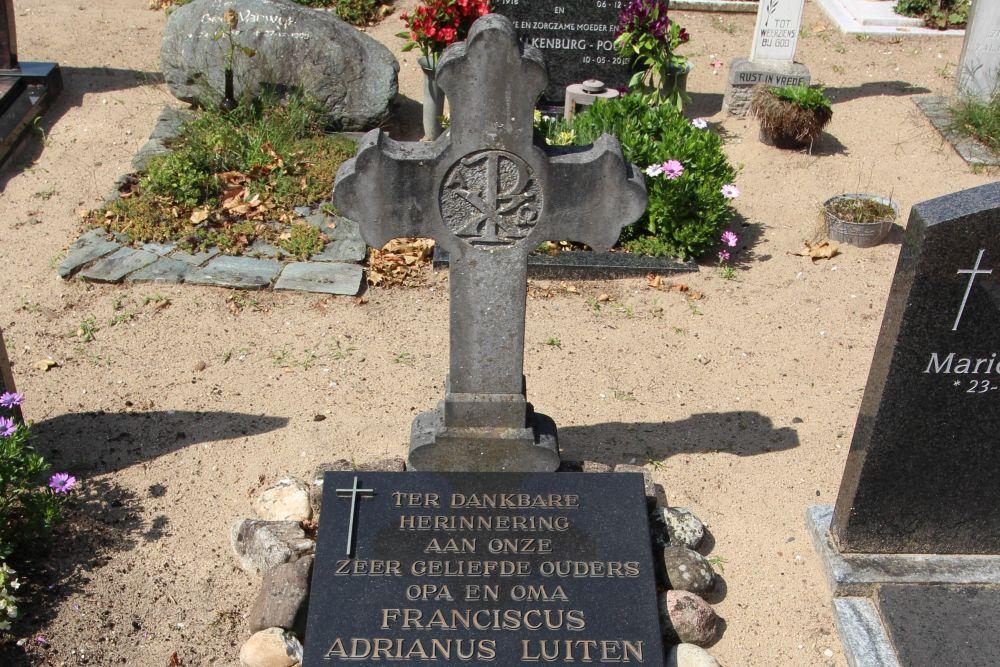Graves War Victims Catholic Churchyard Jutphaas (Nieuwegein)