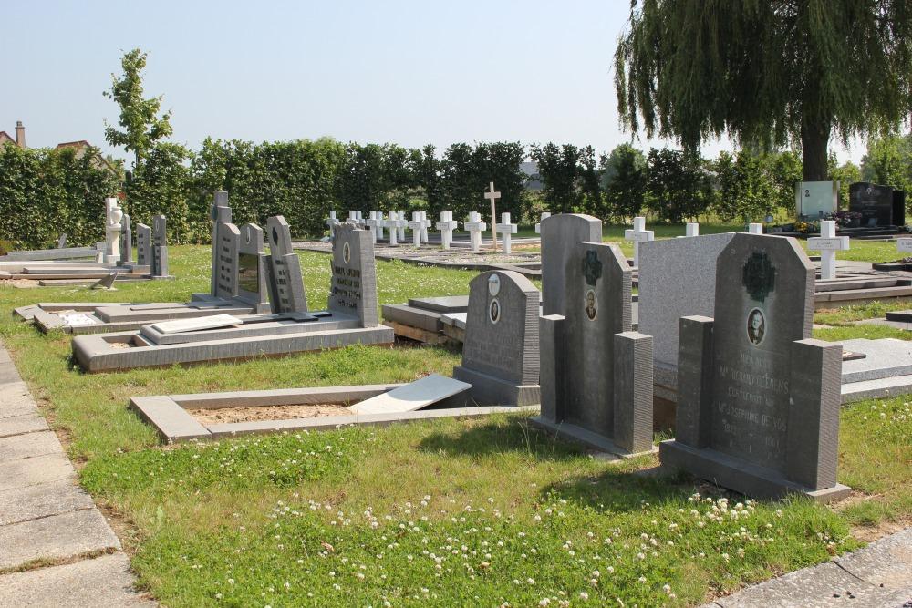 Graven Oudstrijders Begraafplaats Nukerke