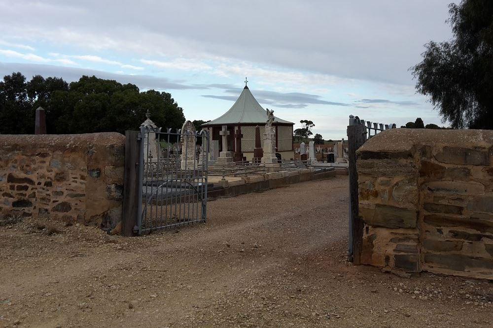 Commonwealth War Graves Burra Cemetery