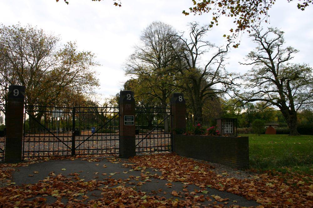 Nederlandse Oorlogsgraven Gemeentelijke Begraafplaats Bad Nieuweschans
