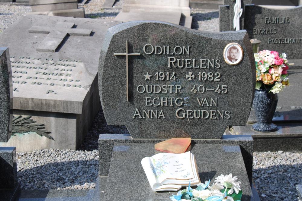 Veteran War Graves Donk