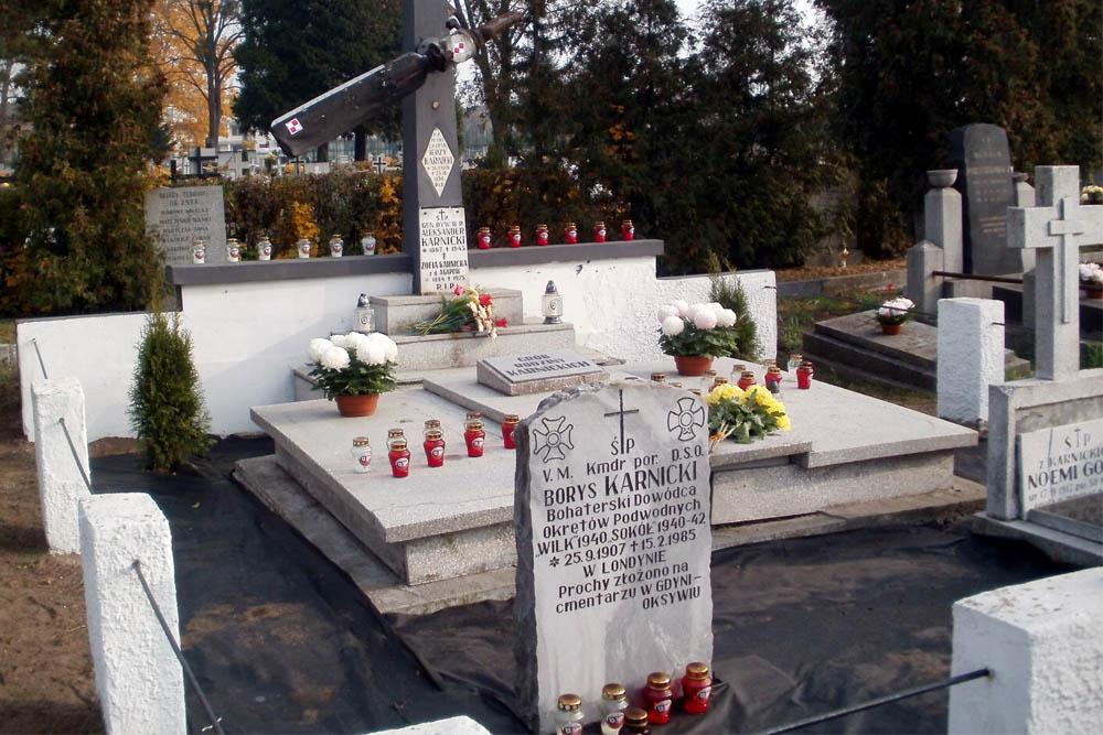 Monument Borys Karnicki