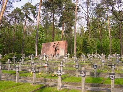 Oorlogsbegraafplaats Slachtoffers Executies Wawer