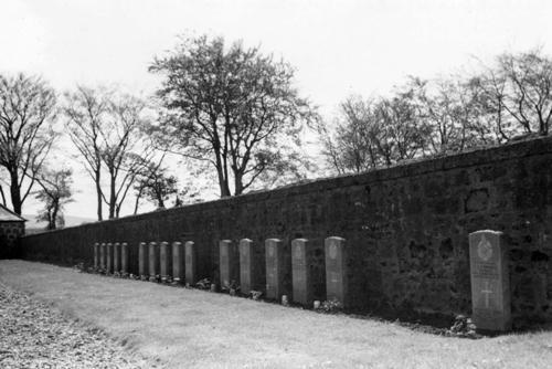 Commonwealth War Graves Fettercairn Cemetery