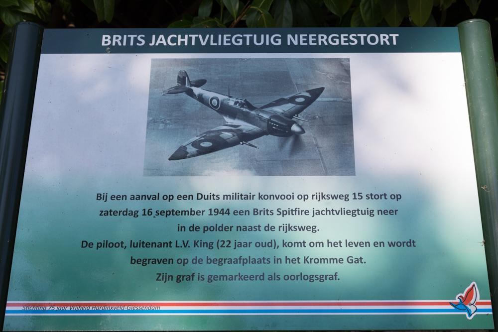 Information sign no. 4 Second World War in Hardinxveld-Giessendam