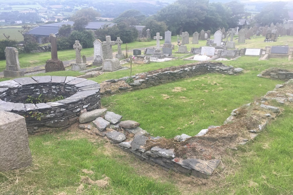 Commonwealth War Graves St. Maughold Churchyard