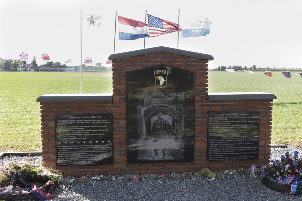 Monument 101st Airborne Division 506 P.I.R
