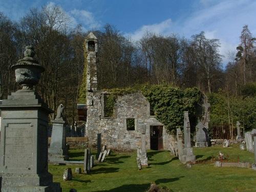 Commonwealth War Graves Logie Old Churchyard