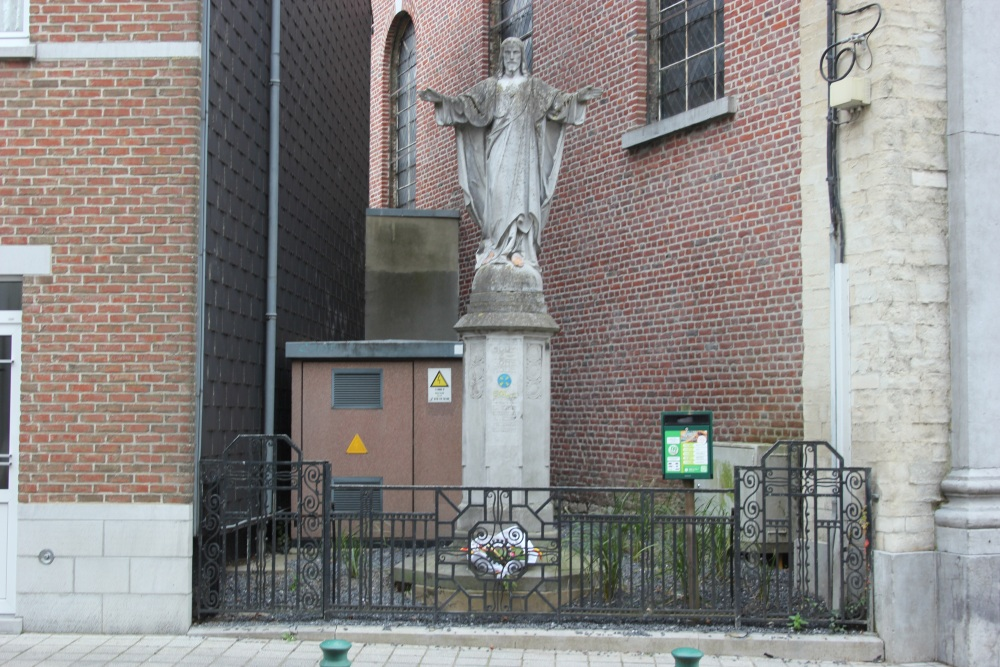 Holy Heart Statue - War Memorial Genappe