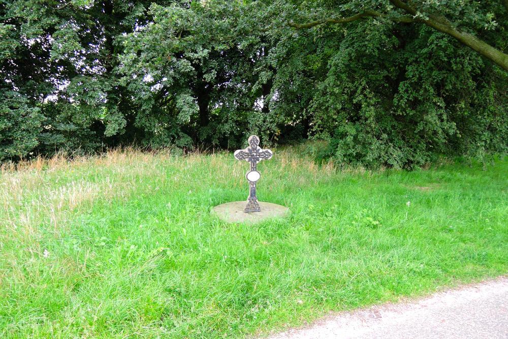Remembrance Cross Houtsberg