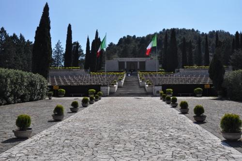 Italiaanse Oorlogsbegraafplaats Mignano Monte Lungo