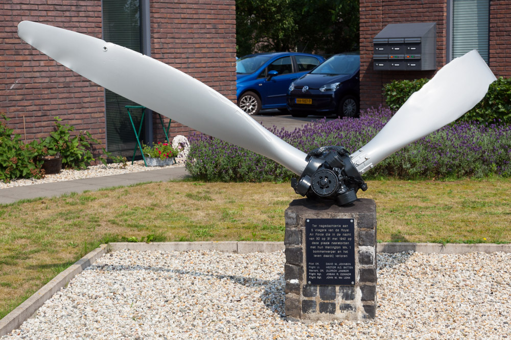 Memorial Wellington Mk 1-bomber N2894 Klarenbeek