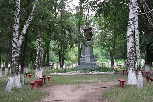Massagraf Sovjet Soldaten Chervona Husarivka