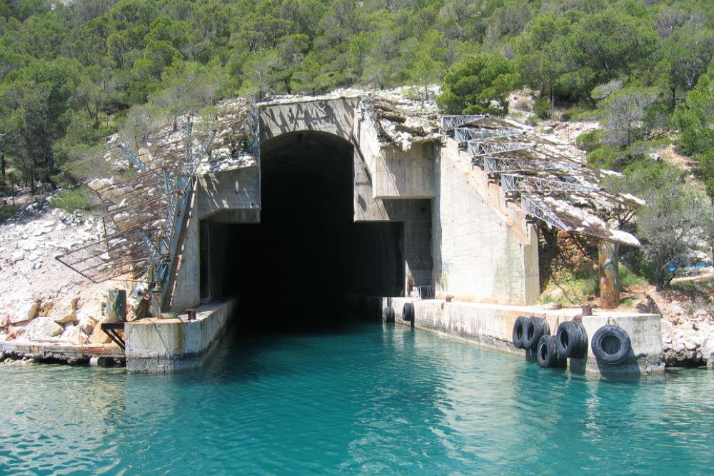 Submarine Shelter Uvala Smrka
