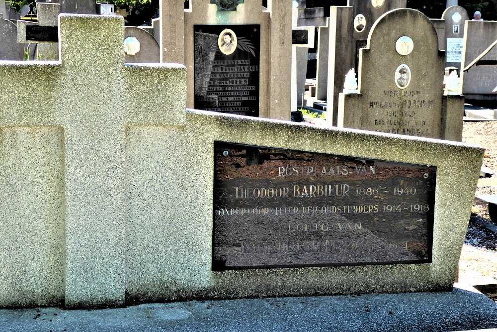 Belgian Graves Veterans Doel