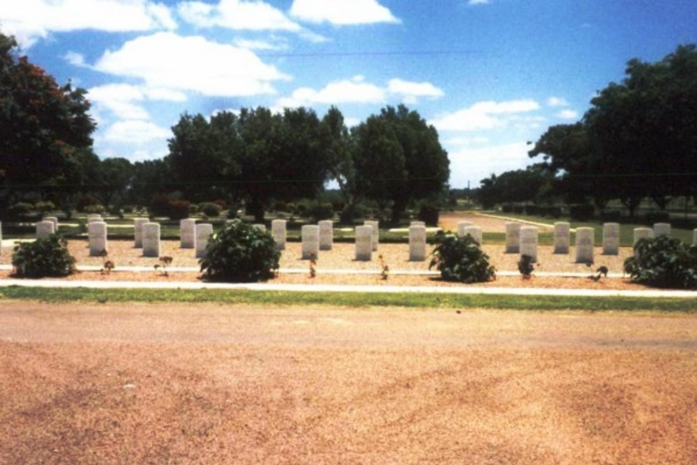 Commonwealth War Cemetery Charters Towers