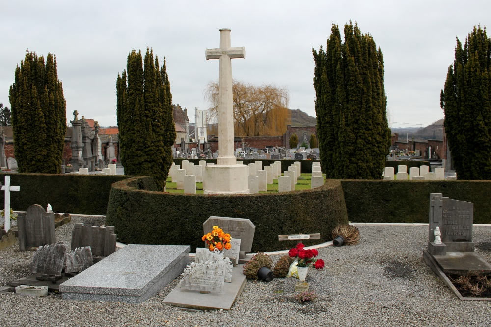 Oorlogsgraven van het Gemenebest Calonne