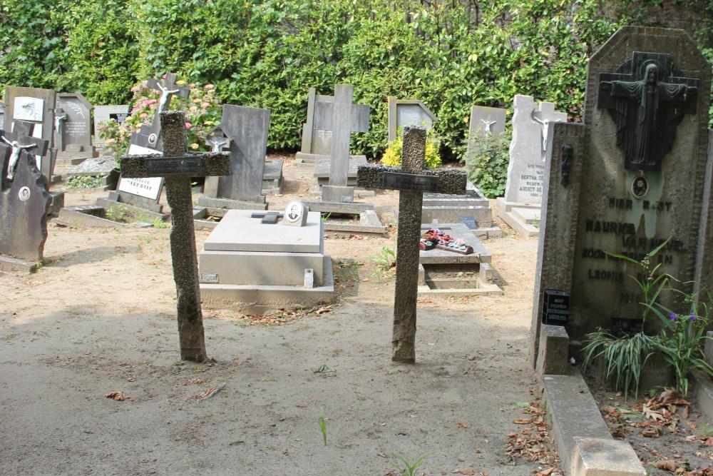 Graves Civilian Casualties Nevele