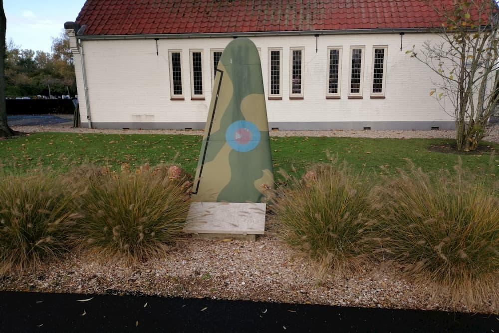 Monument Crash Lancaster Algemene Begraafplaats Sommelsdijk
