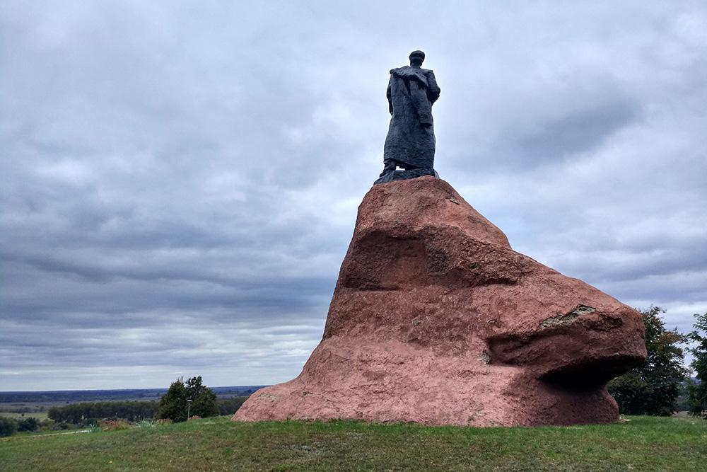 Monument Sidor Kovpak