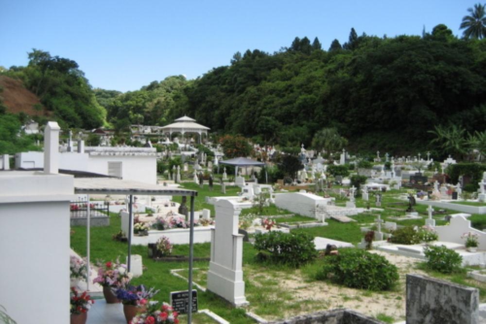 Commonwealth War Graves Uranie Cemetery