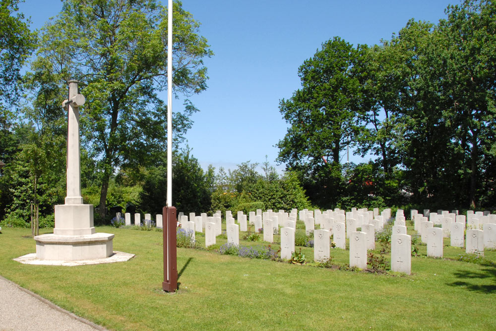 Commonwealth War Graves General Cemetery Den Burg