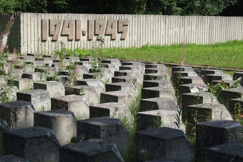 Sovjet Oorlogsbegraafplaats Nītaurē