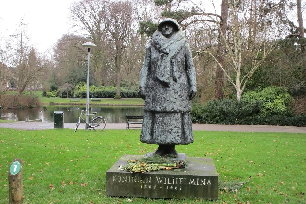 Standbeeld Koningin Wilhelmina der Nederlanden