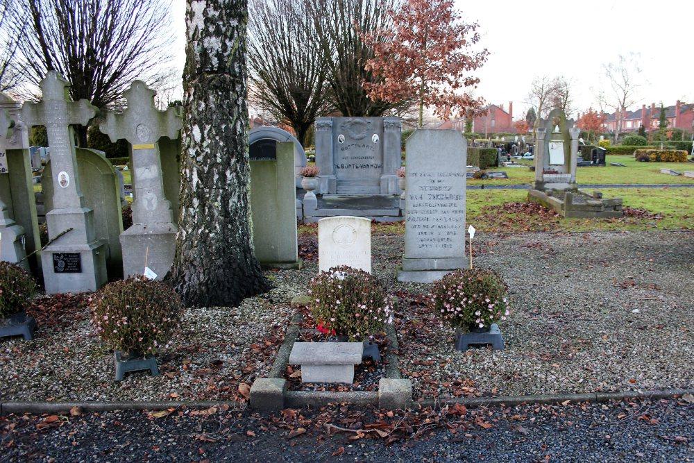 Oorlogsgraven van het Gemenebest Sint-Niklaas