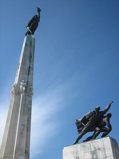 Victory Memorial Batina