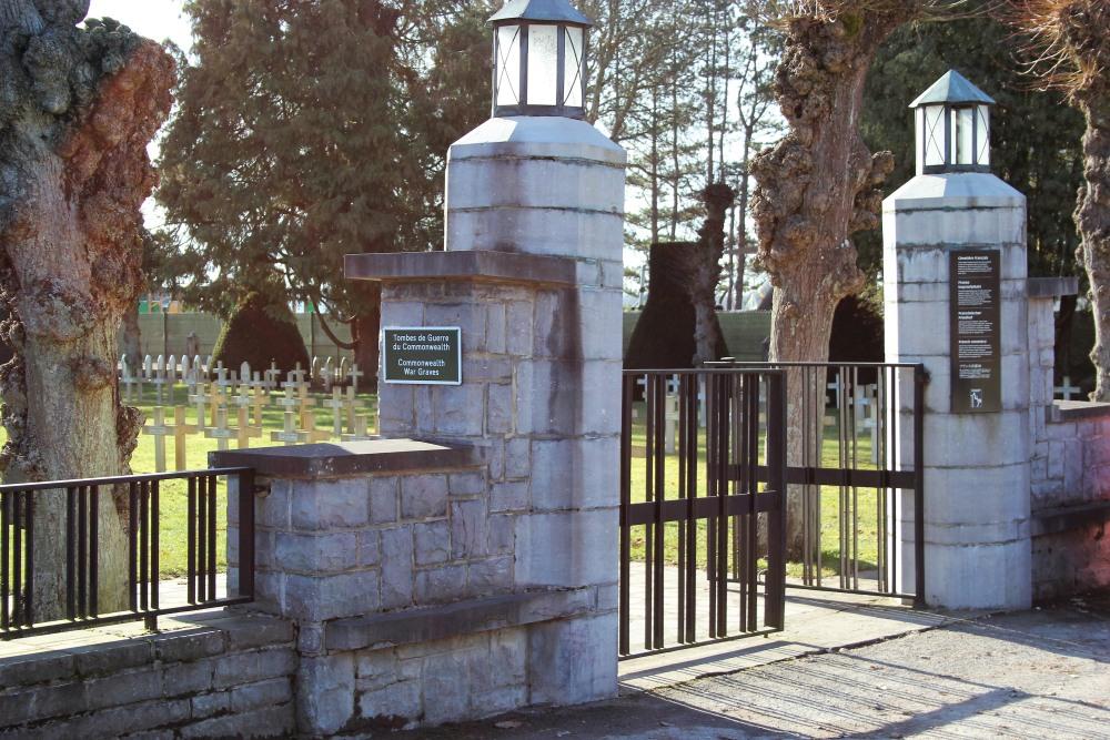 Oorlogsgraven van het Gemenebest Citadel Dinant
