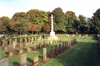 Commonwealth War Graves Towcester Road Cemetery